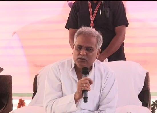 हर जिले में होगा मेडिकल कॉलेजः प्रभारी मंत्री सिंहदेव की गैर मौजूदगी पर बोले सीएम भूपेश…जब मुख्यमंत्री मौजूद हैं तो प्रभारी मंत्री की क्या जरूरत